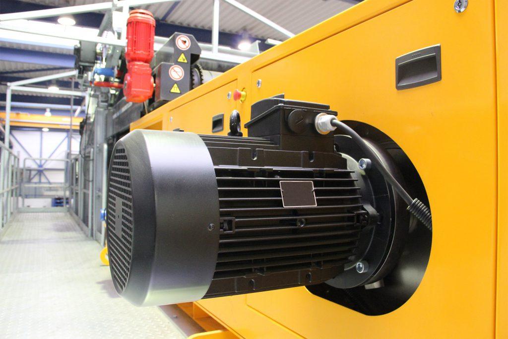 A (1 fase-230V) 23,5A (3 fase 400V) Tankinhoud: 38 liter Verbruik: (l/uur) 5,4.