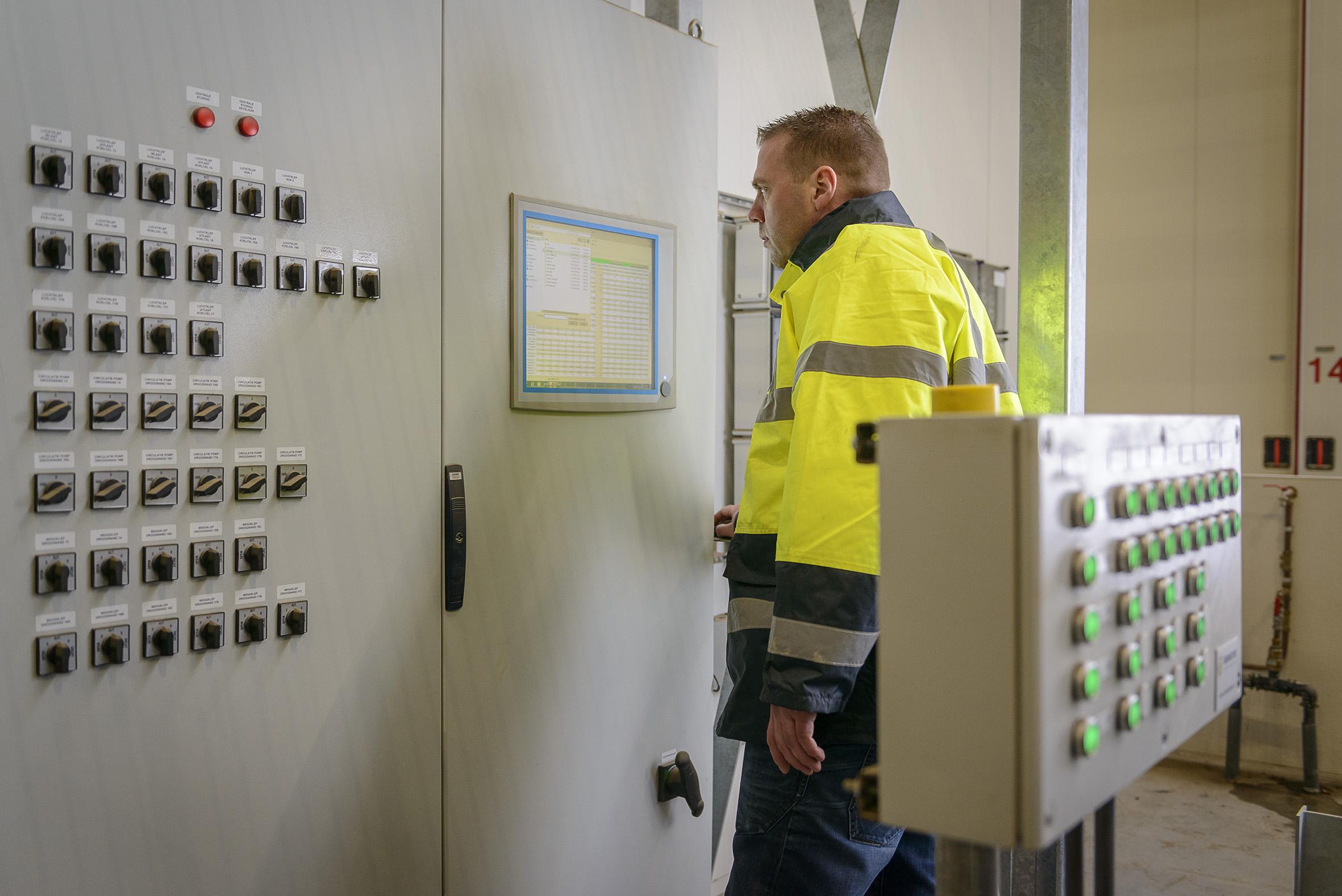 Motor Control Center door Beemster Electrical Solutions